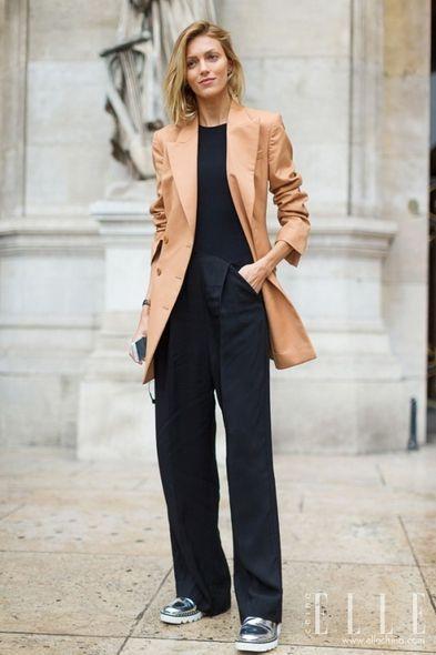 Clothing, Sleeve, Collar, Coat, Outerwear, Formal wear, Bag, Style, Street fashion, Blazer,