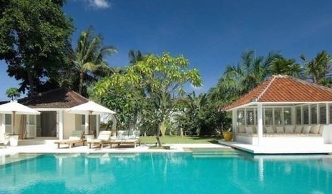 Swimming pool, Property, Water, Real estate, Resort, Leisure, Town, House, Home, Residential area,