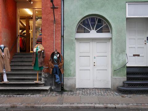 Door, Stairs, Home door, Fixture, Street fashion, Sidewalk, Door handle,