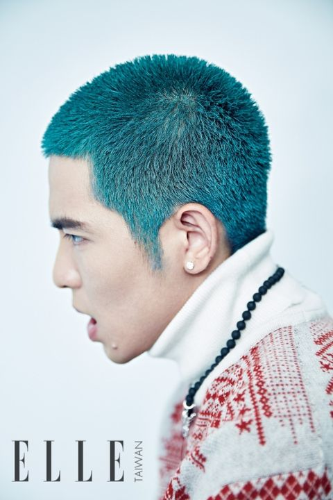 Ear, Hairstyle, Chin, Forehead, Style, Sweater, Teal, Crew cut, Portrait photography, Caesar cut,