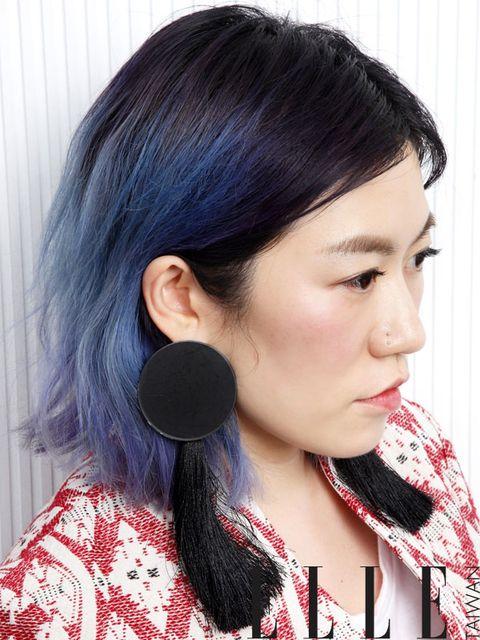 Hair, Audio equipment, Lip, Hairstyle, Earrings, Chin, Forehead, Eyebrow, Eyelash, Black hair,
