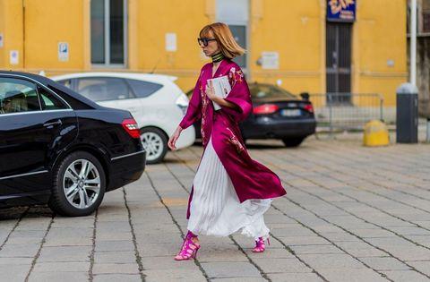 Land vehicle, Window, Alloy wheel, Car, Pink, Rim, Vehicle door, Magenta, Street fashion, Street,