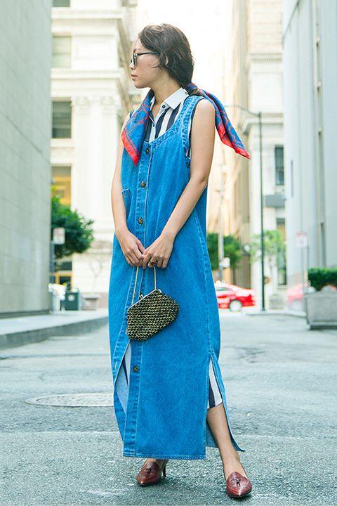 Clothing, Blue, Textile, Bag, Dress, Style, Street fashion, Electric blue, Teal, Fashion accessory,