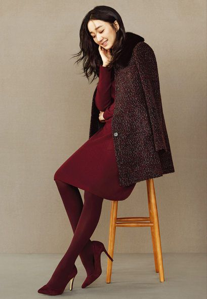 Clothing, Sleeve, Shoulder, Joint, Outerwear, Style, Knee, Fashion, Maroon, High heels,