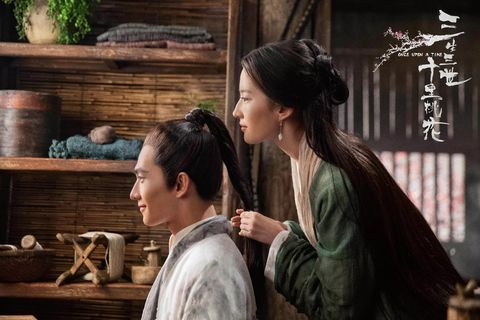 Human, Interaction, Scene, Temple, Drama, Black hair,