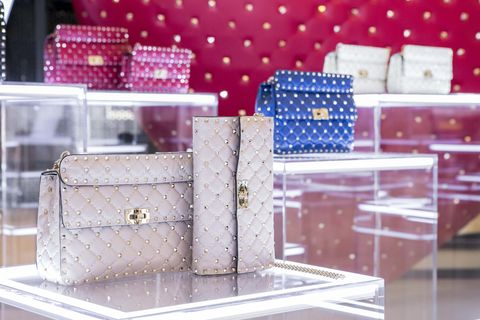 Pink, Product, Purple, Material property, Box, Fashion accessory, Rectangle, Interior design, Furniture, Magenta,