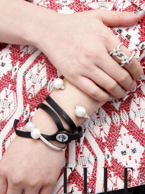 Finger, Skin, Wrist, Hand, Nail, Pattern, Fashion accessory, Bracelet, Fashion, Jewellery,