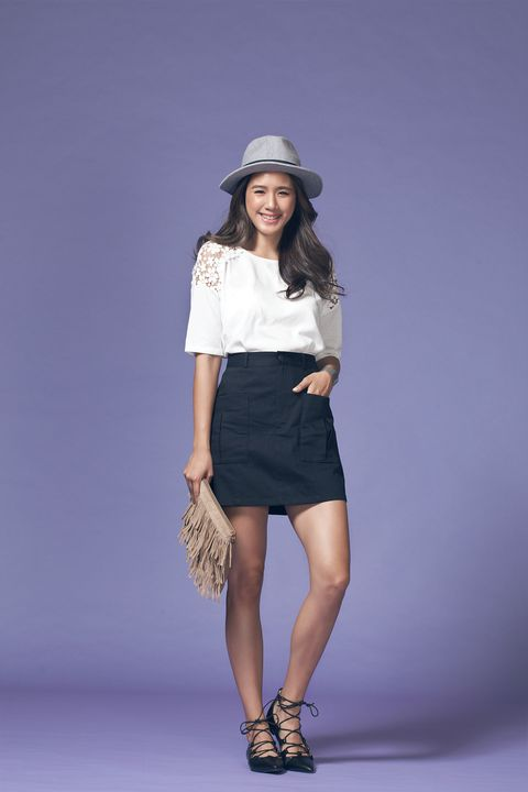 Clothing, Brown, Sleeve, Human leg, Shoulder, Textile, Joint, Hat, Waist, Style,