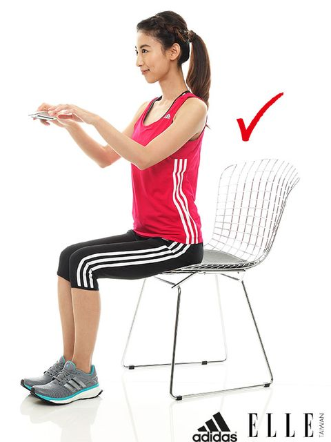 Shoulder, Hand, Sitting, Human leg, Comfort, Elbow, White, Style, Knee, Calf,