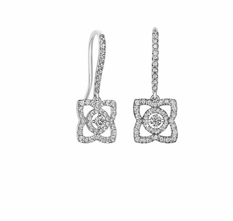 White, Fashion accessory, Style, Chain, Pattern, Jewellery, Black-and-white, Silver, Body jewelry, Pendant,