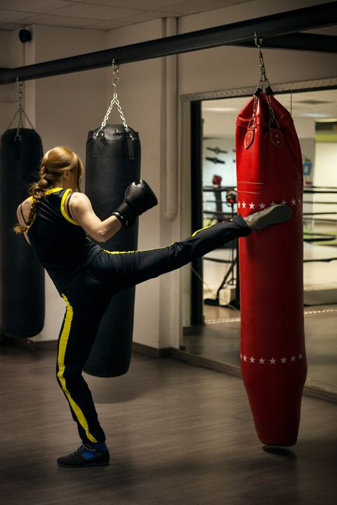 Punching bag, Latex, Carmine, Knee, Coquelicot, Waist, Cylinder, Spandex, Active pants, Physical fitness,
