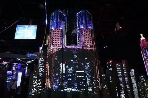 Metropolitan area, Metropolis, Landmark, Light, Night, Lighting, Skyscraper, City, Urban area, Human settlement,