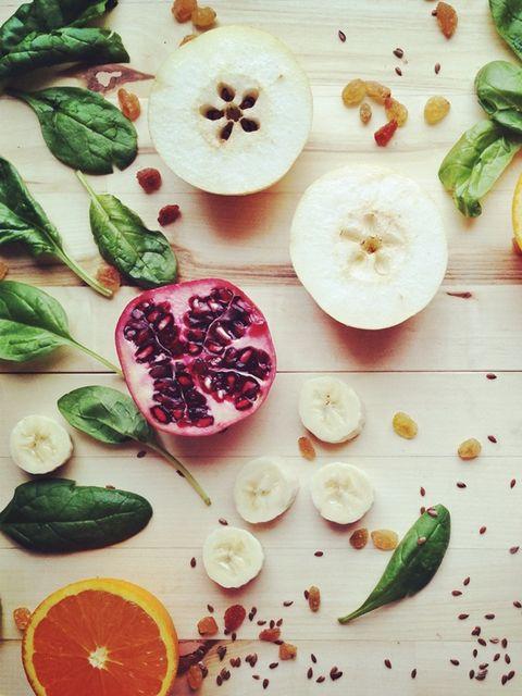 Dishware, Food, Natural foods, Ingredient, Produce, Fruit, Tableware, Seedless fruit, Serveware, Citrus,