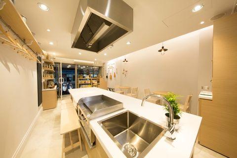 Lighting, Plumbing fixture, Interior design, Room, Property, Tap, Ceiling, Kitchen sink, Real estate, Interior design,
