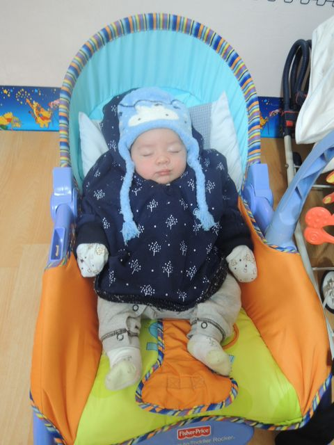 Blue, Product, Comfort, Baby Products, Baby & toddler clothing, Child, Baby sleeping, Orange, Baby safety, Toddler,