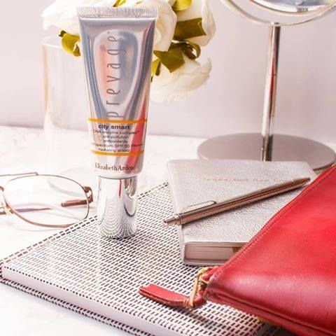 Textile, Drinkware, Leather, Home accessories, Picture frame, Transparent material, Wallet, Pen, Cylinder, Tumbler,
