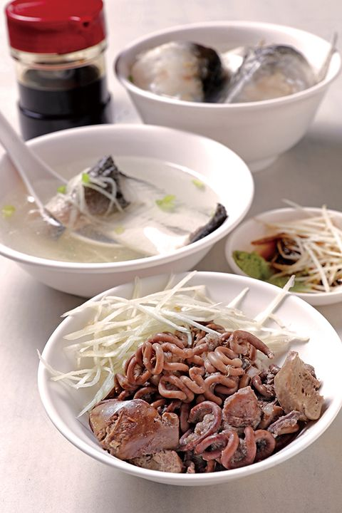 Dish, Food, Cuisine, Ingredient, Chinese food, Beef noodle soup, Noodle, Produce, Recipe, Soup,
