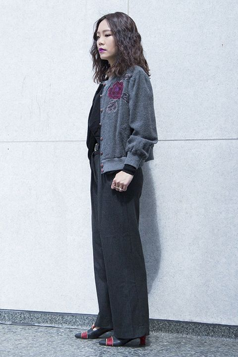 Sleeve, Shoulder, Joint, Collar, Standing, Outerwear, Style, Coat, Street fashion, Blazer,