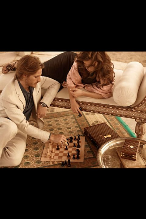 Arm, Human, Indoor games and sports, Board game, Games, Tabletop game, Brown hair, Curious,