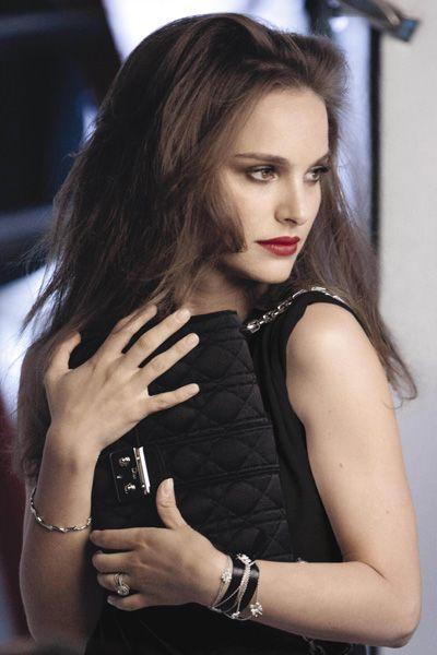 Lip, Hairstyle, Hand, Eyelash, Wrist, Fashion accessory, Bracelet, Beauty, Fashion, Dress,