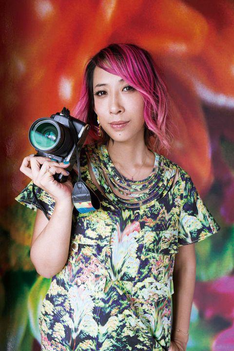 Lens, Single-lens reflex camera, Photographer, Digital camera, Pink, Colorfulness, Camera lens, Point-and-shoot camera, Cameras & optics, Magenta,