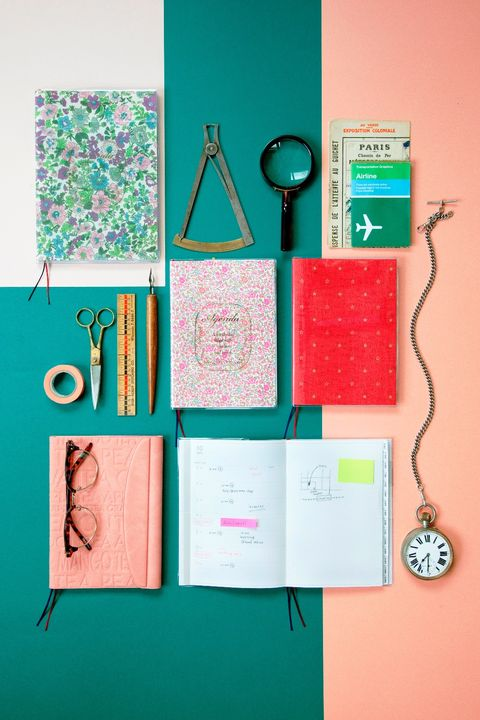 Pink, Teal, Turquoise, Peach, Aqua, Circle, Paper product, Stationery, Paper, Analog watch,