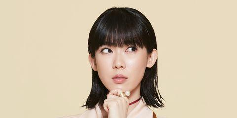 Hair, Face, Hairstyle, Bangs, Chin, Lip, Forehead, Black hair, Japanese idol, Jaw,