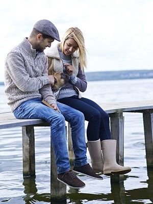 Leg, Trousers, Cap, Jeans, Sitting, Shirt, Denim, Photograph, People in nature, Interaction,