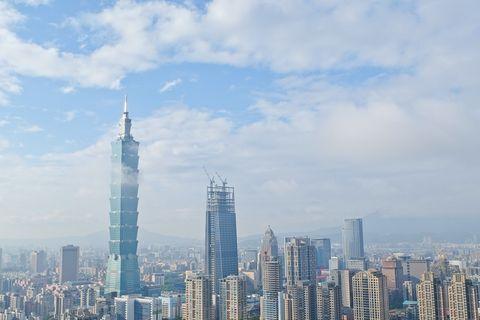 Tower block, Daytime, Sky, Tower, Metropolitan area, Urban area, City, Cloud, Metropolis, Condominium,