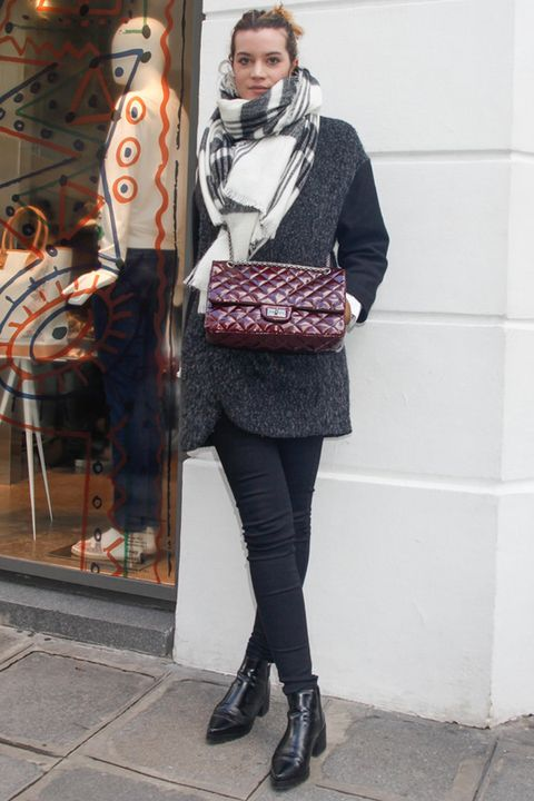 Clothing, Textile, Outerwear, Style, Street fashion, Fashion accessory, Fashion, Boot, Tights, Scarf,