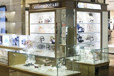 Glass, Display case, Retail, Display window, Collection, Transparent material, Natural material, Trade, Transparency,