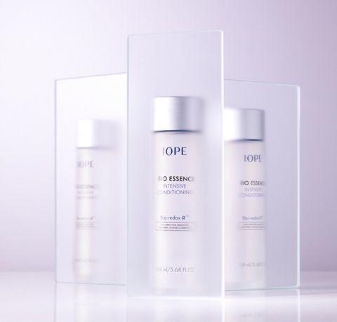 Product, Liquid, Fluid, White, Lavender, Beauty, Purple, Grey, Cosmetics, Skin care,