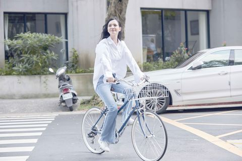 Bicycle tire, Wheel, Tire, Bicycle frame, Bicycle wheel rim, Bicycle wheel, Bicycle part, Bicycle, Bicycle handlebar, Spoke,