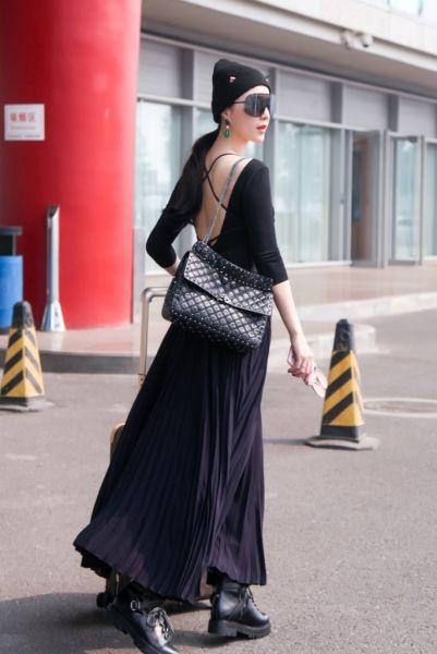 Street fashion, Clothing, Fashion, Shoulder, Waist, Snapshot, Dress, Yellow, Footwear, Leg,