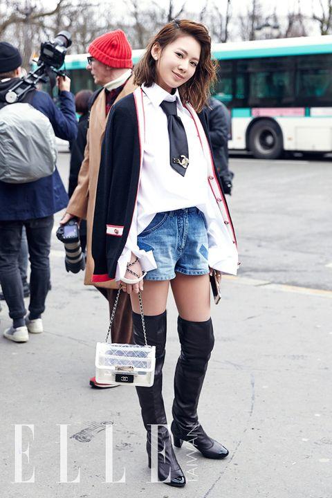 Street fashion, Photograph, Clothing, Fashion, Snapshot, Leg, Footwear, Beauty, Knee, Thigh,