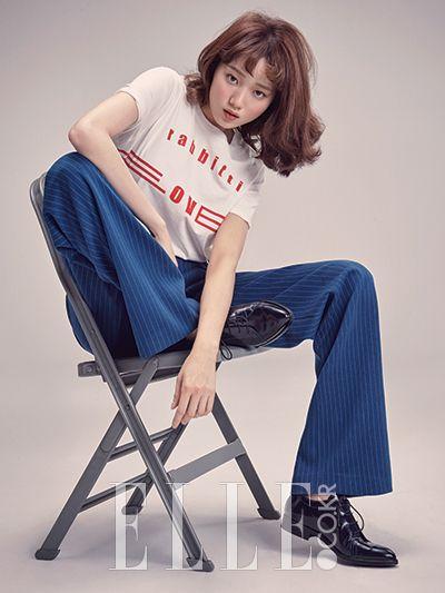 Leg, Blue, Product, Shoe, Denim, Sitting, Jeans, Shoulder, Joint, Knee,