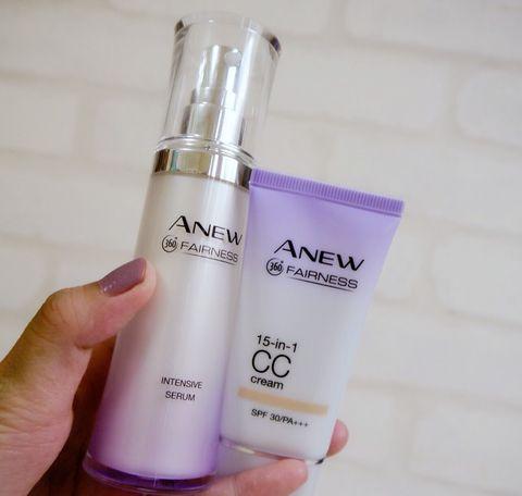 Product, Perfume, Water, Spray, Fluid, Hand, Material property, Liquid, Skin care, Moisture,