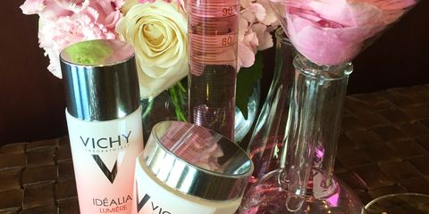 Pink, Bouquet, Petal, Liquid, Peach, Tints and shades, Cut flowers, Flowering plant, Skin care, Cosmetics,