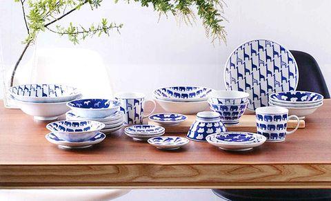 Serveware, Blue and white porcelain, Blue, Dishware, Porcelain, Tableware, Ceramic, earthenware, Pottery, Azure,