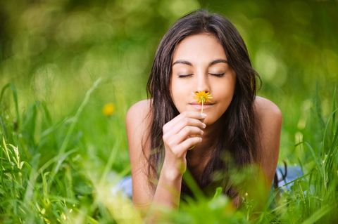 People in nature, Hair, Nature, Face, Facial expression, Beauty, Skin, Grass, Green, Lip,