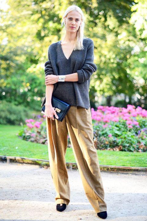 Clothing, Textile, Outerwear, Bag, Style, Street fashion, Garden, Spring, Beige, Blond,