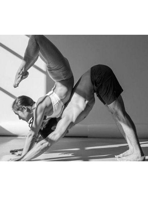 Human leg, Shoulder, Elbow, Wrist, Photograph, Joint, Standing, Physical fitness, Knee, Waist,