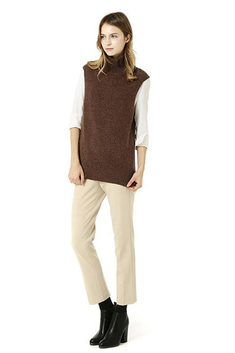 Brown, Sleeve, Trousers, Shoulder, Shoe, Textile, Collar, Khaki, Joint, Outerwear,