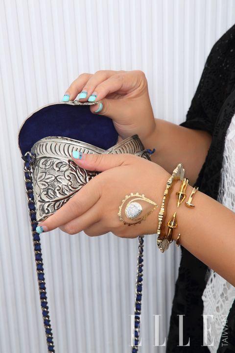 Finger, Wrist, Hand, Pattern, Nail, Fashion accessory, Jewellery, Fashion, Bangle, Body jewelry,