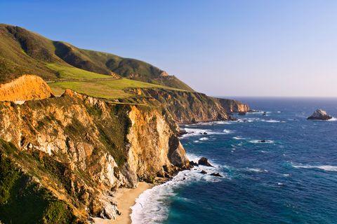 Body of water, Coastal and oceanic landforms, Coast, Ocean, Promontory, Terrain, Headland, Rock, Sea, Bay,