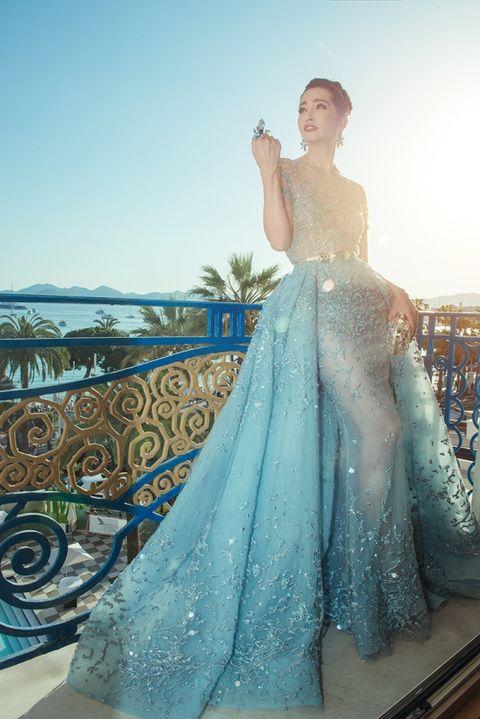 Blue, Dress, Aqua, Gown, Teal, Formal wear, Turquoise, Embellishment, One-piece garment, Bridal party dress,