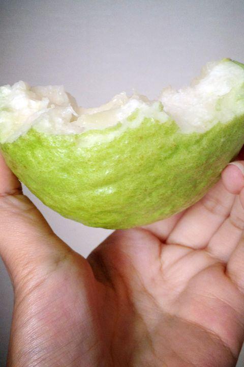 Finger, Green, Skin, Food, Ingredient, Nail, Thumb, Sweetness, Whole food, Daifuku,