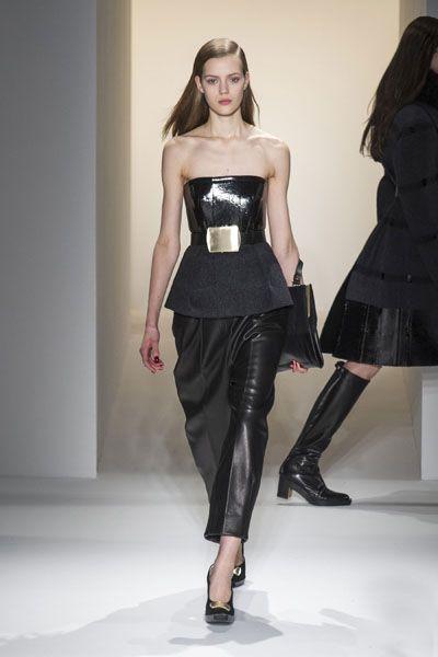 Clothing, Human body, Shoulder, Textile, Joint, Waist, Style, Dress, Fashion model, Beauty,