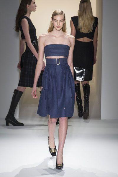 Clothing, Leg, Human body, Dress, Shoulder, Textile, Joint, Human leg, Waist, Style,