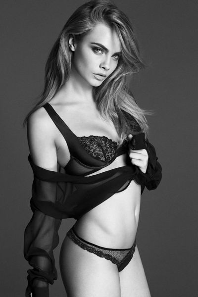 Hairstyle, Shoulder, Joint, Undergarment, Lingerie, Thigh, Chest, Fashion model, Beauty, Waist,